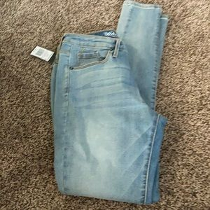 Mossimo Jeans Juniors Women's 2/26 length short